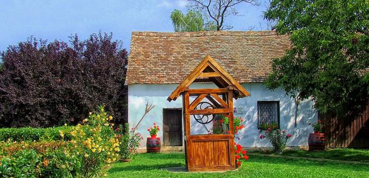 Potpisani prvi ugovori o dodeli seoskih kuća